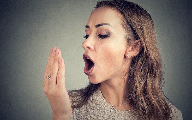 Come combattere l'alito cattivo