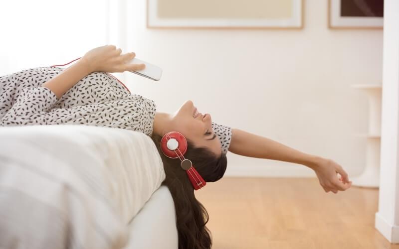 Ascolta delle canzoni che ti piacciono