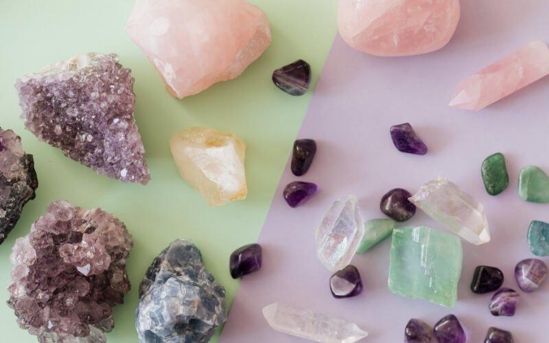 pietre e cristalli cosa sono