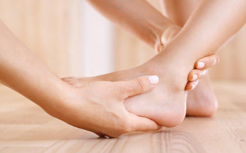 distensione caviglia