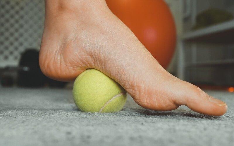 Massaggio con palla da tennis