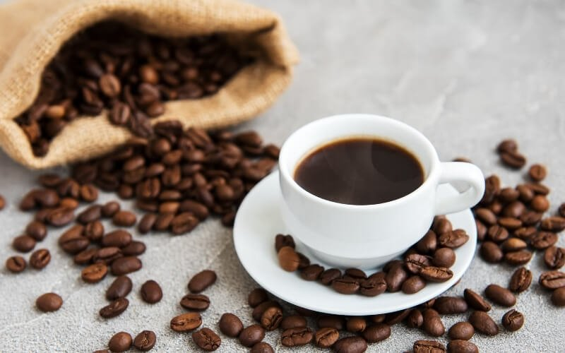 bere troppo caffè