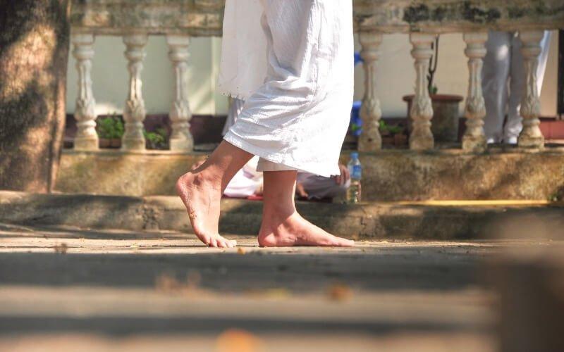 I benefici della meditazione camminata