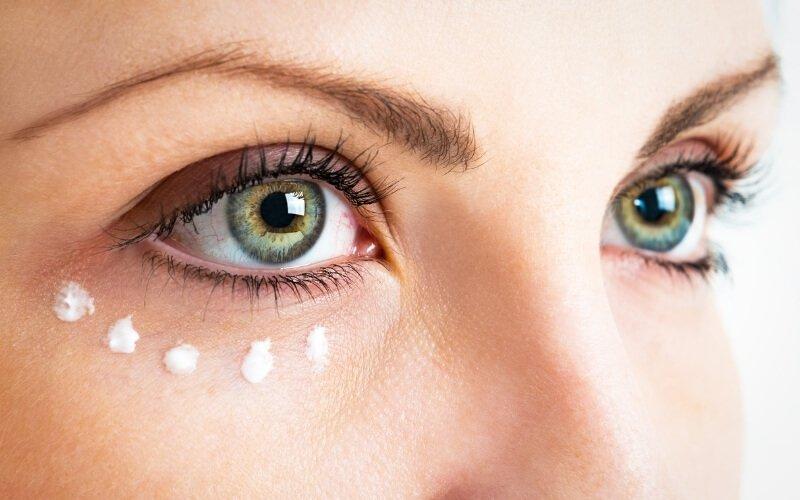 Come eliminare le borse sotto gli occhi