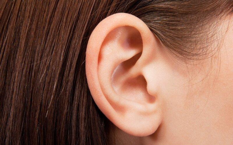 Automassaggio alle orecchie